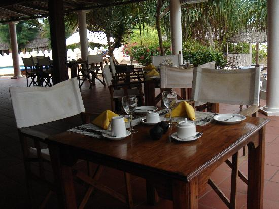 Zanzibar Retreat Hotel: Breakfast table