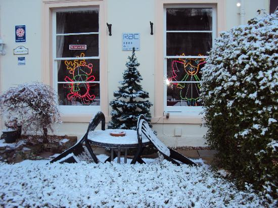 The Lawnswood Guest House: Xmas at the Lawnswood