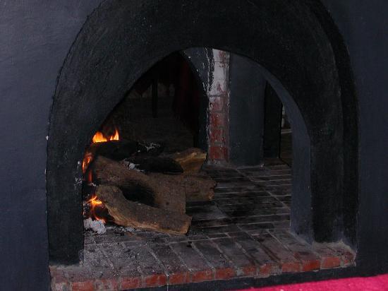Villa Vanille: petit feu de bois pour soirées fraîches