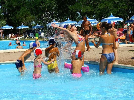 Savignano a Mare, Italien: A dream vacation for families - Numerose attività e corsi sportivi