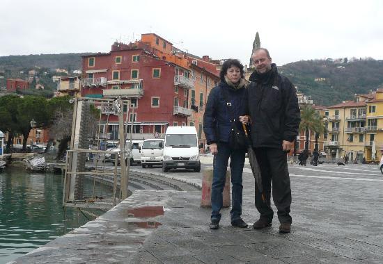 Hotel Shelley Delle Palme: io e mia moglie in passeggiata