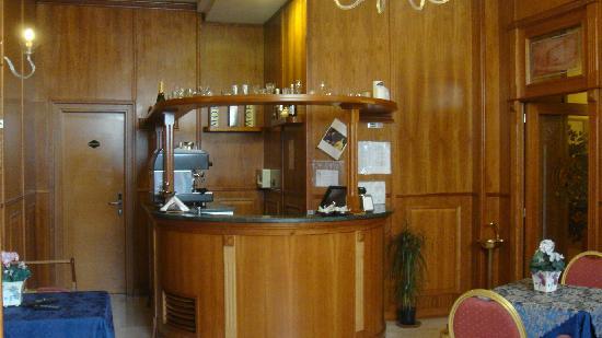 Carlo Terzo : small Bar