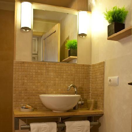 Al Lago: Bathroom