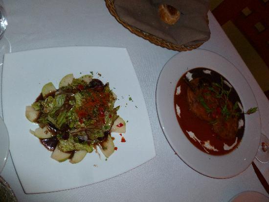 Cilantro's Malecon: Pear Gorgonzola Salad & Relleno