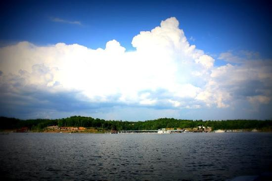 Bull Shoals Lake Boat Dock照片