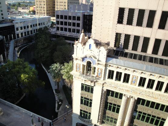 Hotel Valencia Riverwalk: The River View