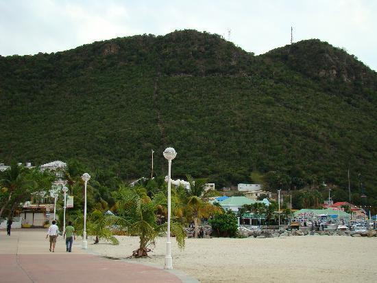 St-Martin / St Maarten: 1