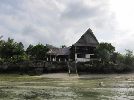 Asian-Belgian Dive Resort: View from Dive Boat