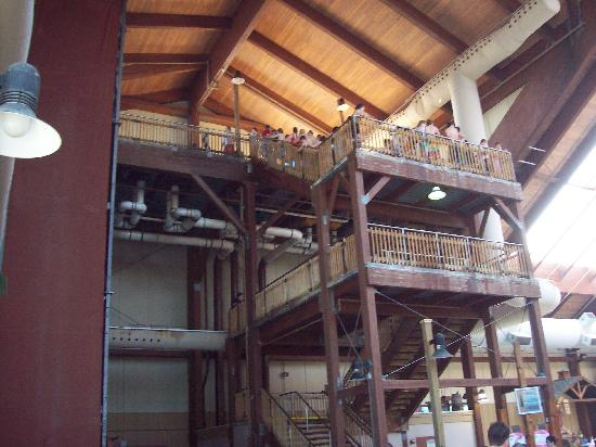 Six Flags Great Escape Lodge & Indoor Waterpark: Stairs Leading to Waterslides