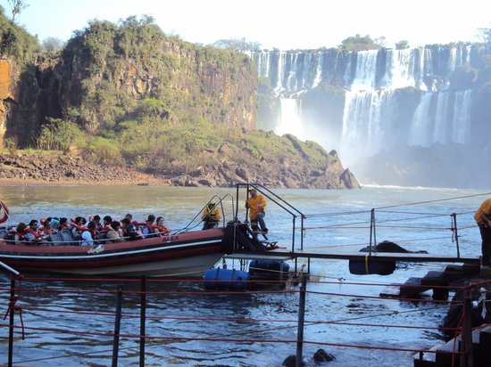"Parque Nacional Iguazú, Argentina: 8.-Cataratas- excursión ""aventura naútica"""