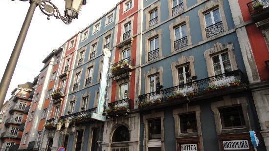 hotel covadonga oviedo: