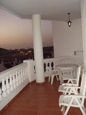 Beverly Hills Heights: Large Balcony
