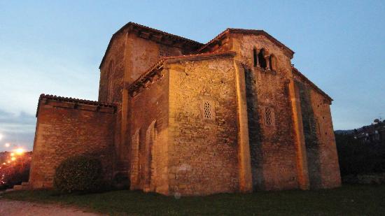 Овьедо, Испания: San Julian de los Prados