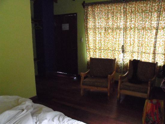Posada J : Very comfortable chairs in the rooms