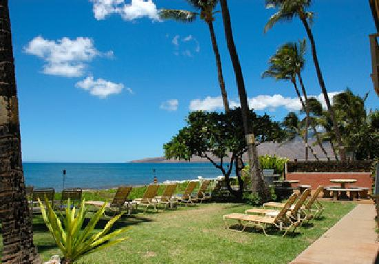 Kihei Kai Oceanfront Condos: located directly on Sugar Beach