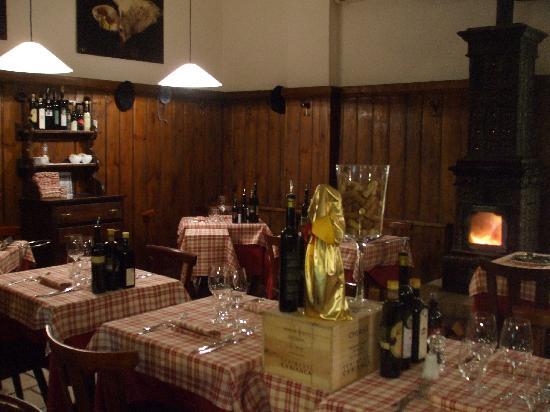 Antica Trattoria Le Barettine : un ambiente caldo per farvi sentire come a casa