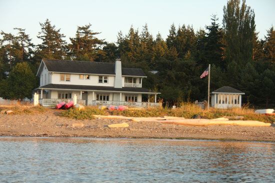 MacKaye Harbor Inn: View from our kayaks