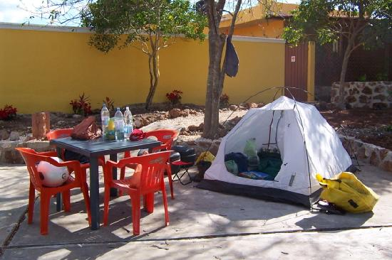 The Pickled Onion B&B & Restaurant Uxmal: Camping at the Pickled Onion
