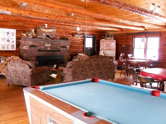 Boulder Lodge on Ghost Lake: Inside lodge looking towards fireplace