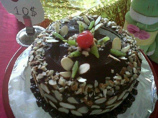 Kika's Caribbean Creamery: cakes