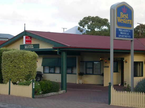 BEST WESTERN Melaleuca Motel & Apartments: Motel Frontage