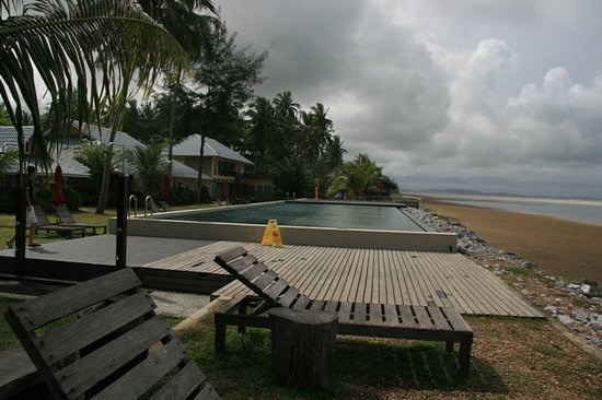 Sematan, Malasia: The poolside