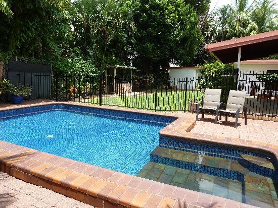 Darwin City Bed and Breakfast: such a nice pool!