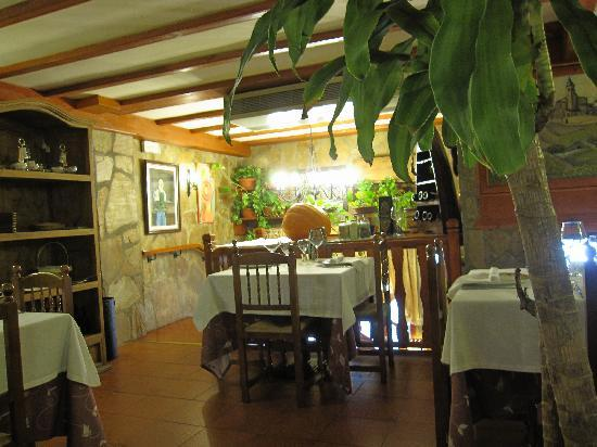 Jaca, Hiszpania: Upstairs in El Porton