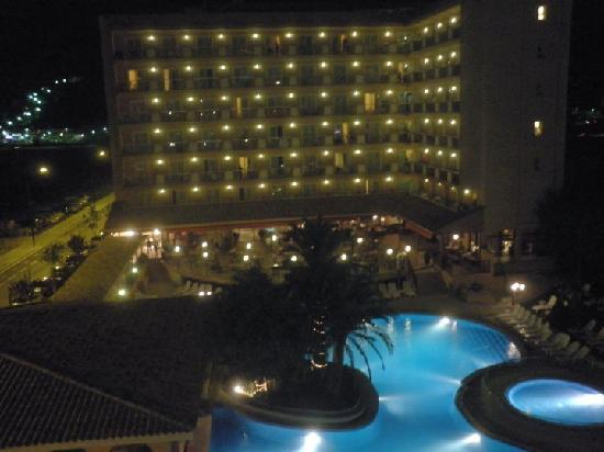 Hotel Luna Club : vu de nuit