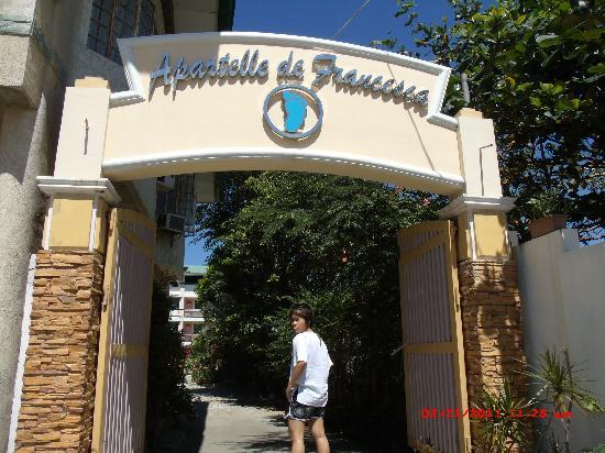Apartelle de Francesca : @ the main entrance