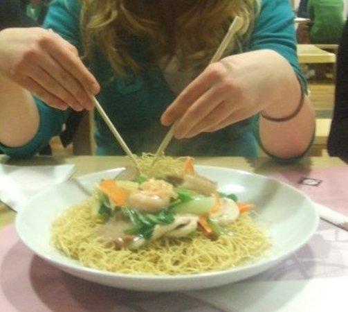 Yippee Noodle Bar: Crispy Noodles