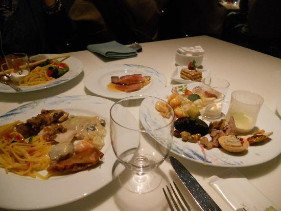 Oceano: 種類豊富な料理