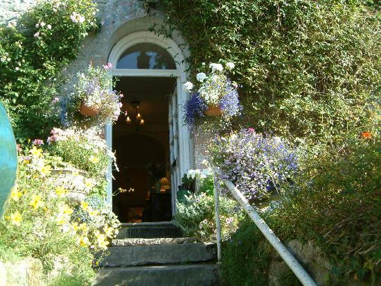 Pen-y-Dyffryn Country Hotel: Front door