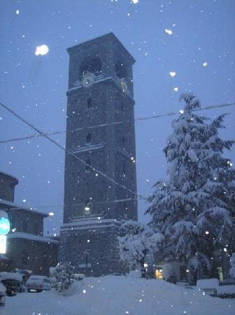 Sondrio, Italie : torre campanaria del Ligari