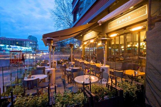 Faros Restaurant Taksim: Garden