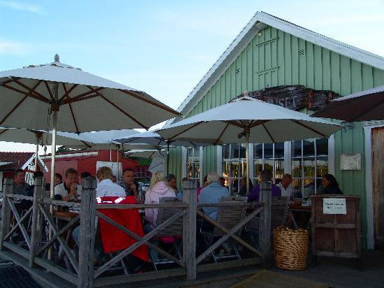Restaurant Brygghuset : Terrace with marina view