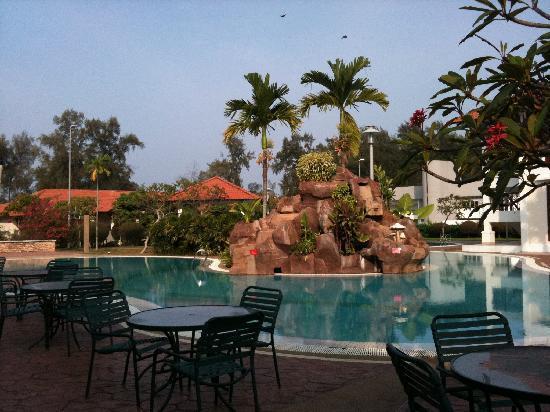 Hotel Impian Morib: pool