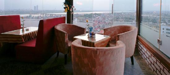 Vesna Hotel: Blue Sky Bar