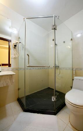 Vesna Hotel: Standing Bath