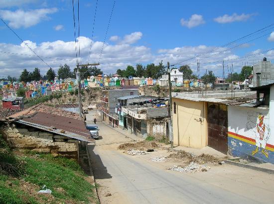 Chichicastenango, Guatemala: Cemetery