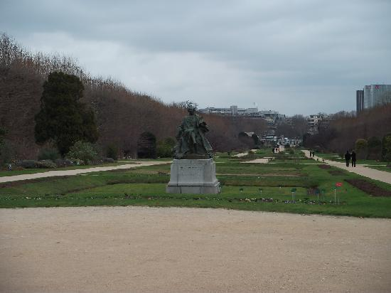 Jardin des Plantes: The 'main drag' of the park