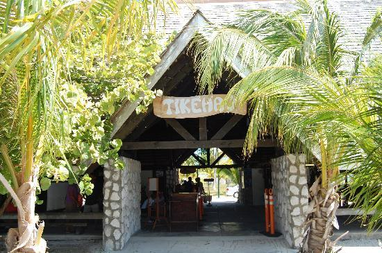 Tikehau Ninamu Resort : Tikehau Airport