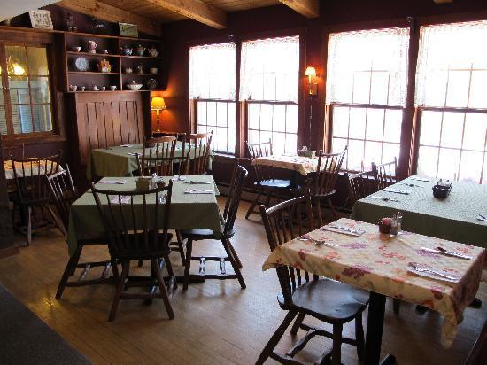 The Waitsfield Inn : Breakfast room