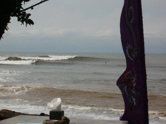 Pondok Pitaya: Hotel, Surfing and Yoga: PERFECT LEFTS AND RIGHTS.