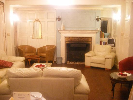 East Cliff Cottage Hotel : Lounge area