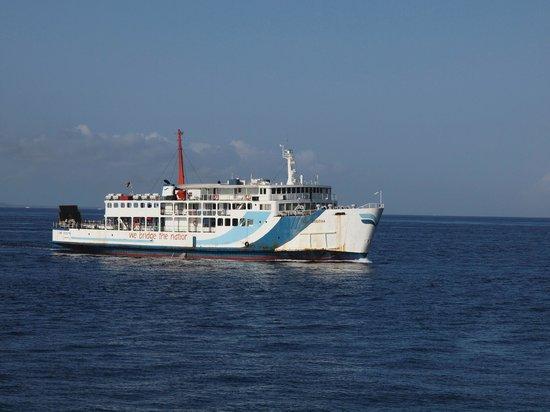 Μανγκίς, Ινδονησία: Public ferry boat from Padangbai Bali  to Lembar Lombok