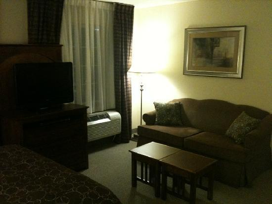 Staybridge Suites Albuquerque - Airport: Living Area
