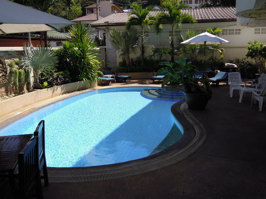 Palmview Resort Patong Beach: Hotel pool
