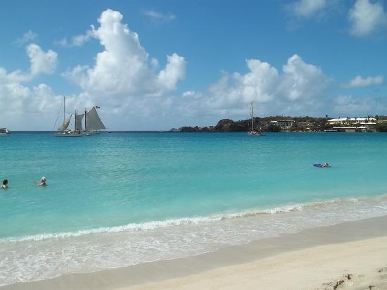 Island Beachcomber Hotel: The ocean bay