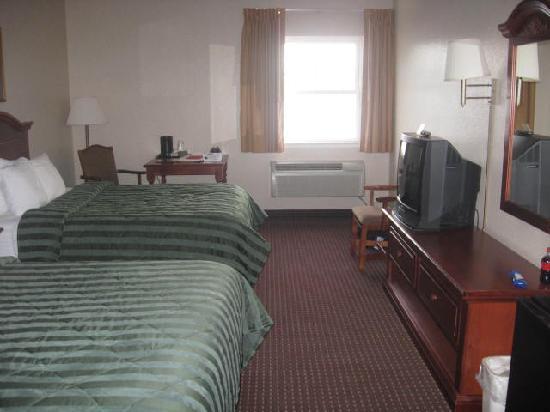 Comfort Inn Warrensburg Station: double queen beds